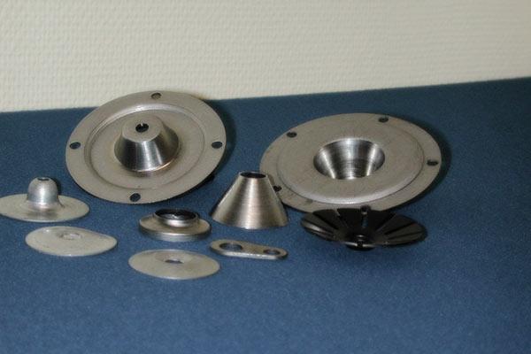 Excenterpressning av detaljer ur vår tillverkning, även bandmaterial